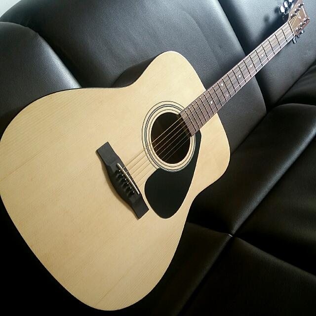 d745aba882e Yamaha F310 Full Size Dreadnought Acoustic Guitar Made In Indonesia, Music  & Media, Music Instruments on Carousell