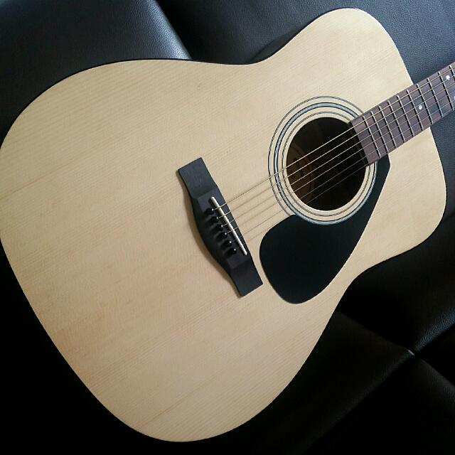 Yamaha F310 Full Size Dreadnought Acoustic Guitar Made In ...