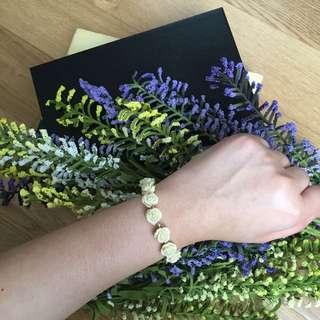 White Roses Bracelet