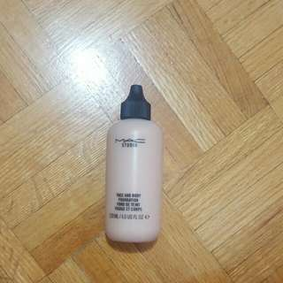 MAC Face And body Foundation (N1)
