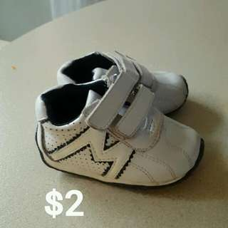 1st Time Walkers Boys Size 4