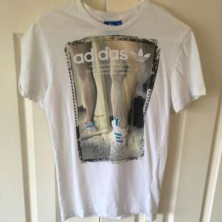 BNWOT Size Small-medium Adidas T Shirt - Unisex