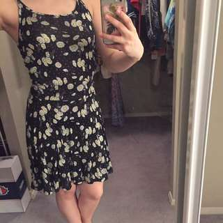 Summer Daisy Dress