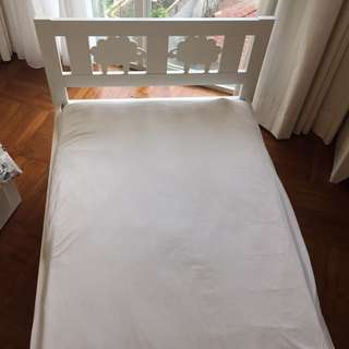 Bedframe in Great Condition (white)