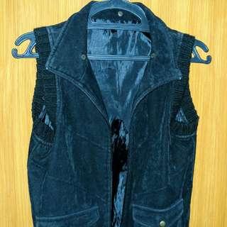 Black Sleeveless Jacket