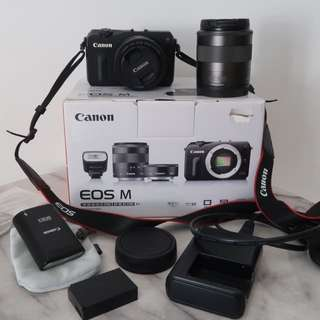 Canon EOS M + 18-55mm And 22mm EF-M Lens Kit + Canon 90EX Speedlite