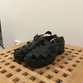 Black Gladiator Sandal US 8 (London Rebel)