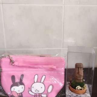 熊本熊&兔寶寶化妝包