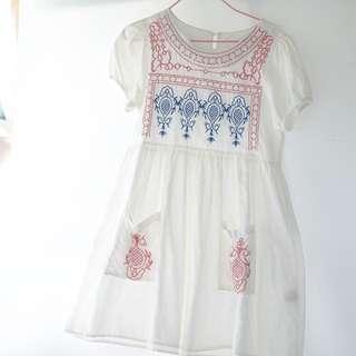 白色繡花民族娃娃連身裙 泡泡袖 titicaca feel 森女