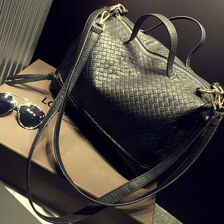 BRAND NEW Synthetic Leather Woven-textured Bag (Black)