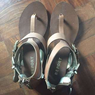 Report Tan Thong Sandals Size 7