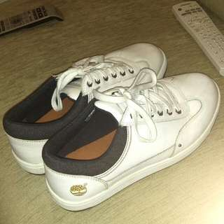 TIMBERLAND WHITE SNEAKERS (out of production)
