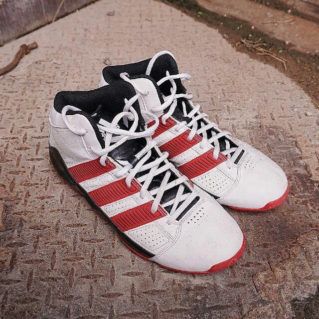 Adidas Basketball Sz. US 8.5