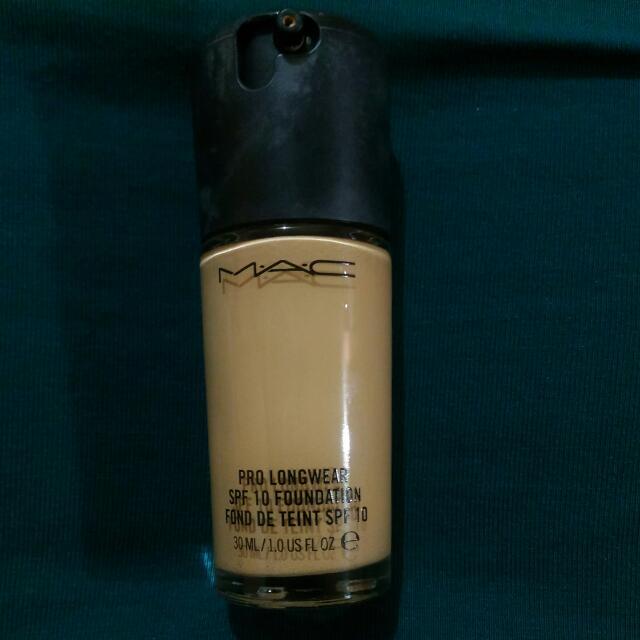Authentic MAC Prolongwear Foundation In NC25