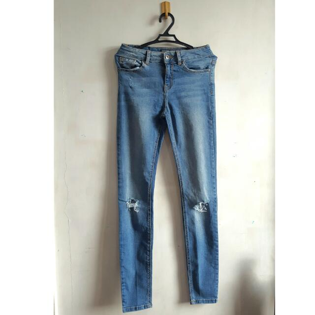 BERSHKA SLIM PANTS Size 34