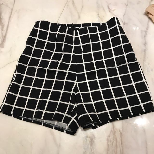 Celana Pendek Size XS Motif Kotak2