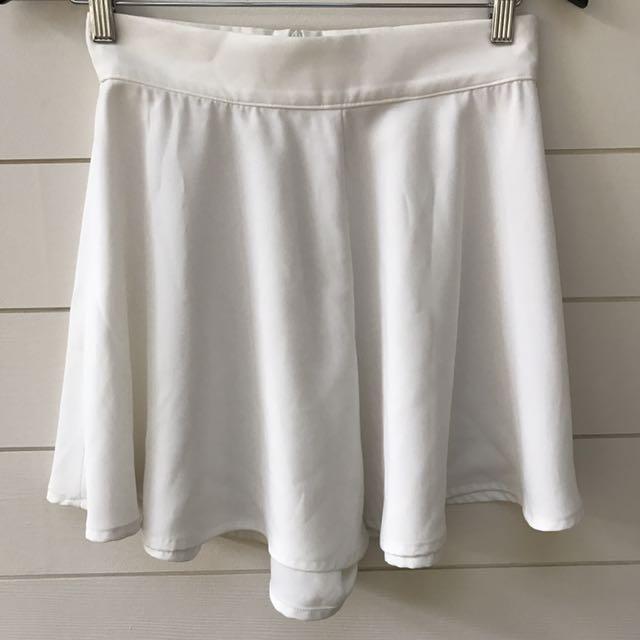 elleque white shorts