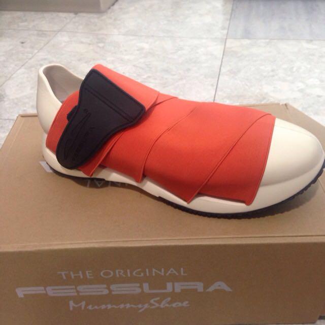 #8折賣 Fessura 木乃伊鞋 Eu42,附贈一個替換鞋帶,紅色