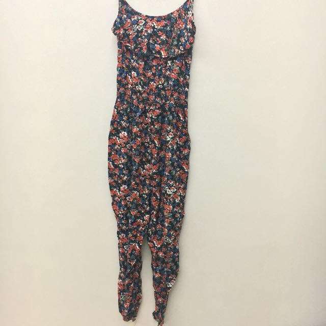 DISKON 50% Flower Jumpsuit Cotton On