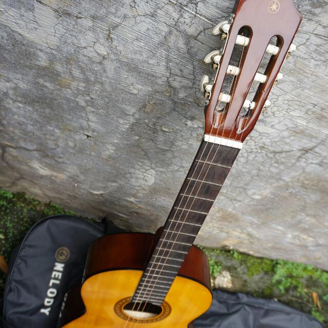 Kelebihan Kekurangan Yamaha C-315 Gitar Klasik with Capo Glow GC-20 - Black
