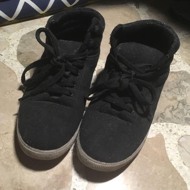 High- Cut Black Sneakers ☺️