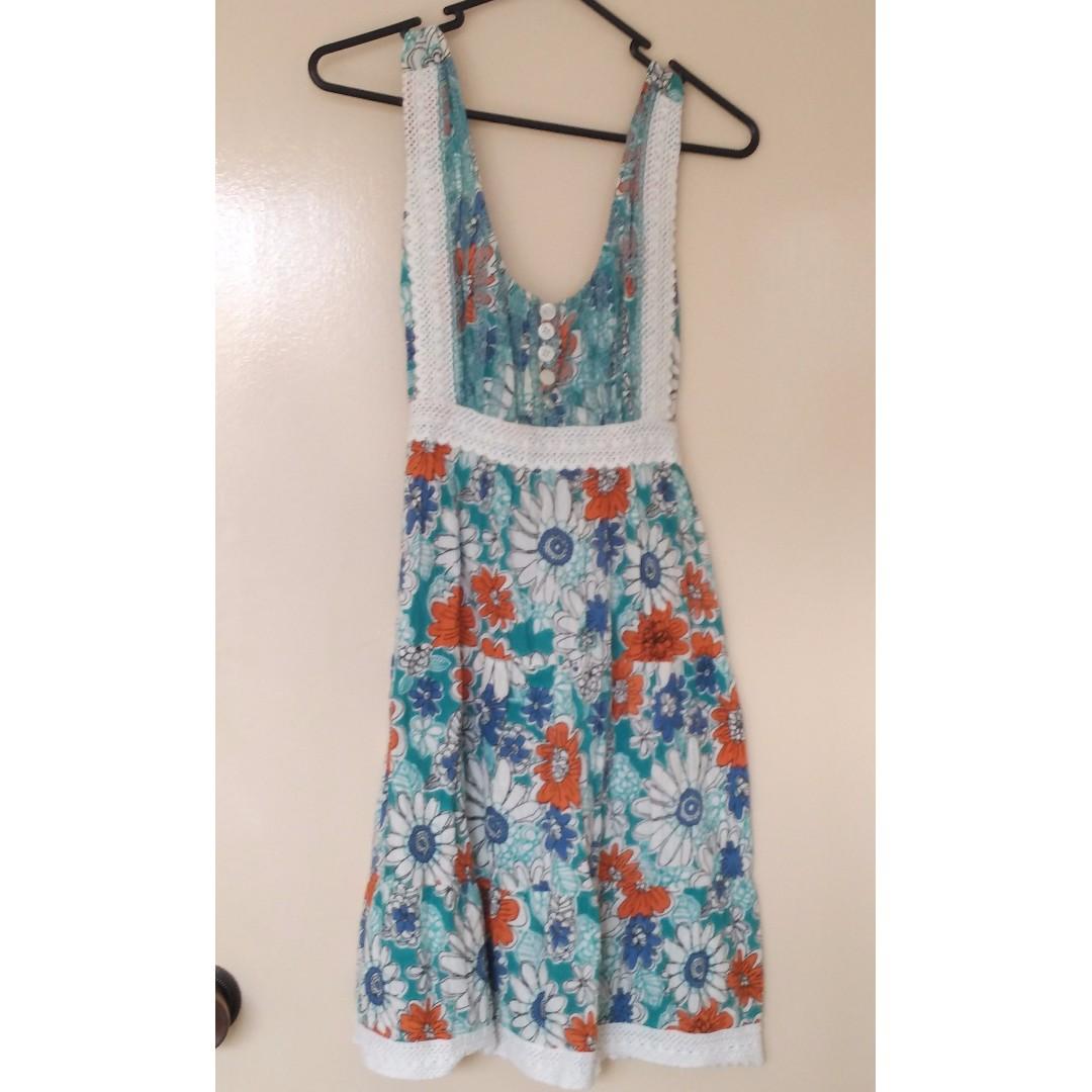 Hippie-style floral print dress