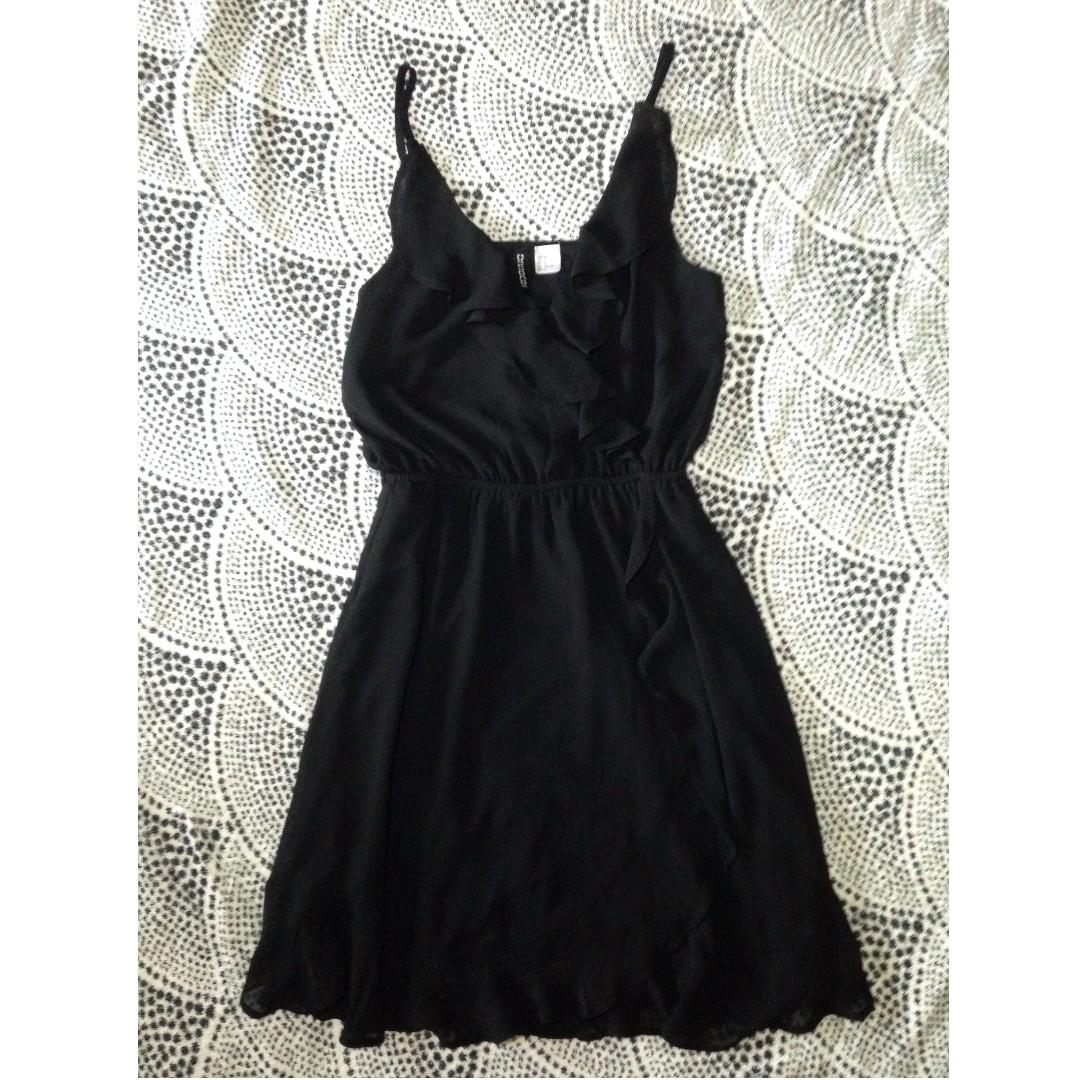 H&M - Ruffled Dress