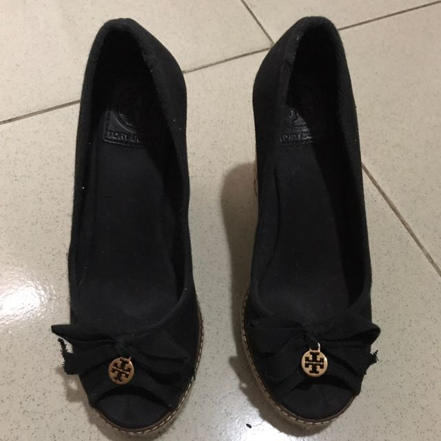 LiKE NEW AUTHENTIC TORY BURCH BLACK