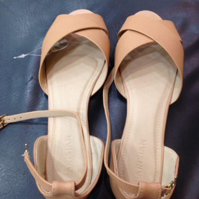 0c0a1e607 Parisian Flat Sandals on Carousell