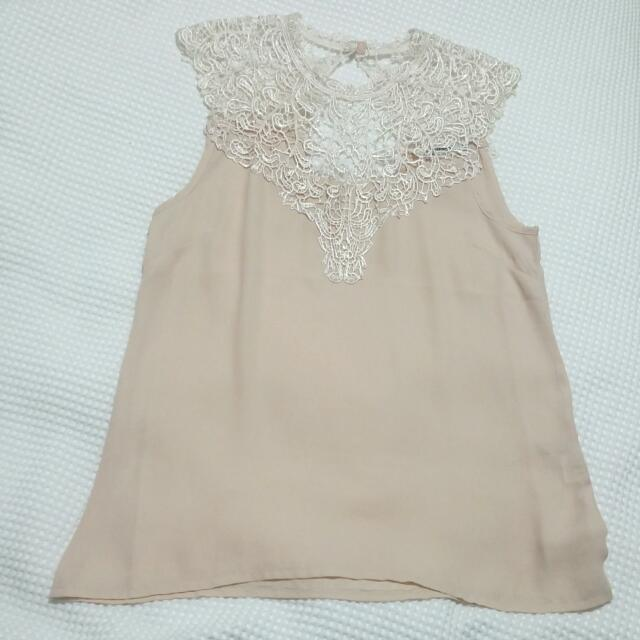 Pre-loved Lace Top