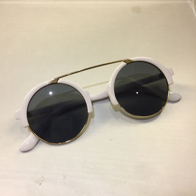 Round White Sunnies
