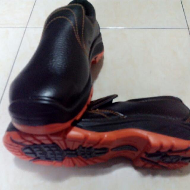 Sepatu Safety Dr.Osha