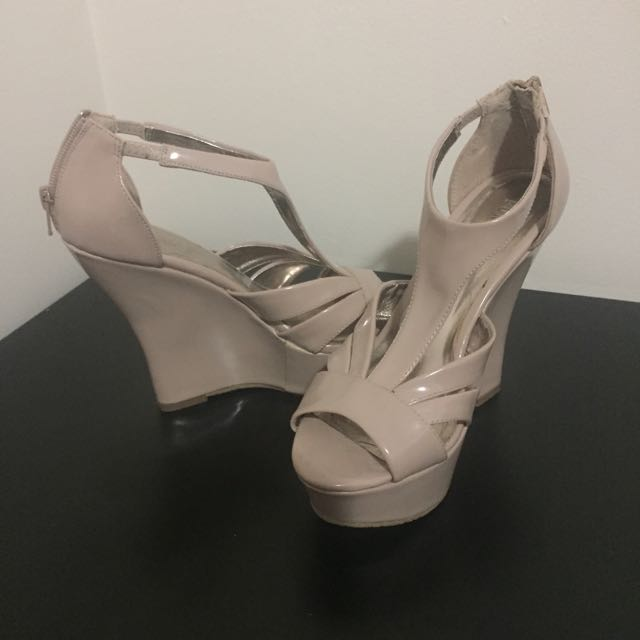 Size 7 Forever XXI Wedges