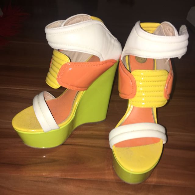 Size 7 High heels