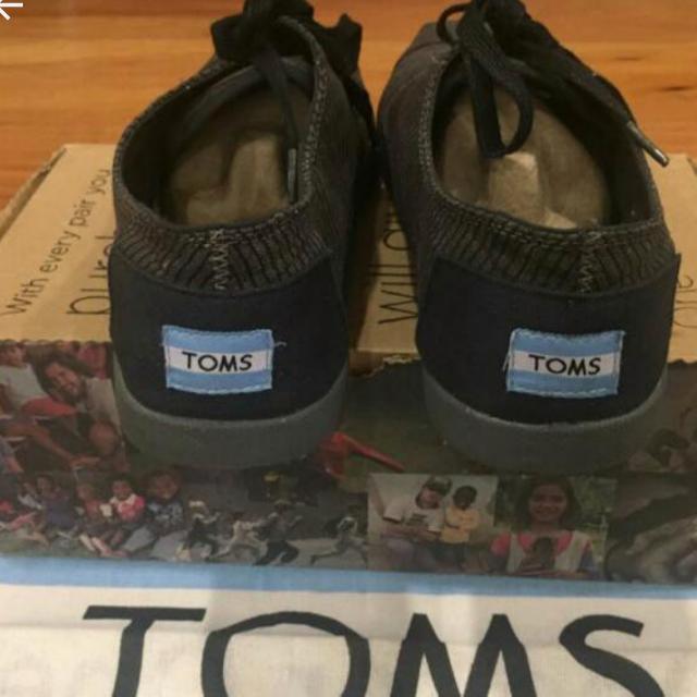 Toms Black Paseo 9.5 U.S. Original Prize Was 3,995
