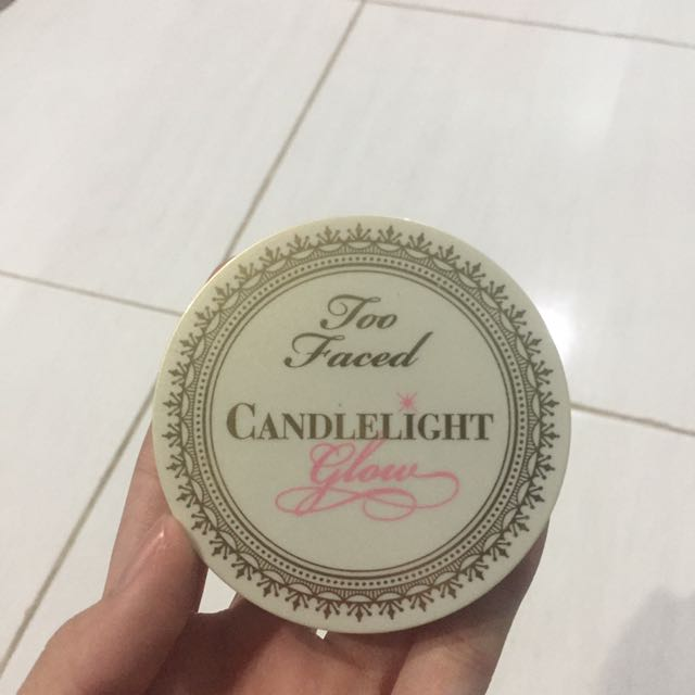 Too Faced candlelight glow (warm glow)