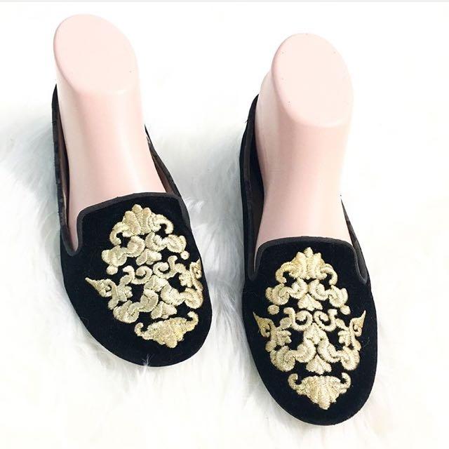 ZARA WOMAN black loafers Embrodery