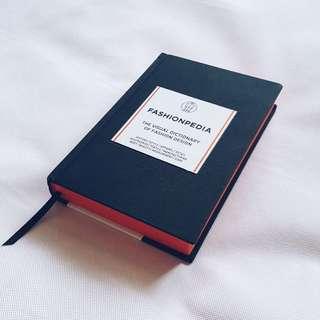 FASHIONPEDIA : The Visual Dictionary Of Fashion Design / 2nd hand reference book 二手書 時裝 設計 工具書/