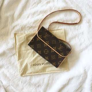 LOUIS VUITTON Monogram Canvas Pochette Florentine Bag with Belt