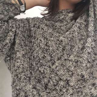 Cozy Brandy Melville Cropped Sweater