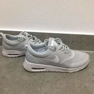 Women's Nike Air Max Thea (Size AU6.5)