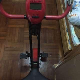 摺疊式單車機
