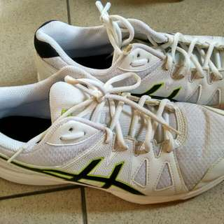 運動鞋 近全新  43.5號 US 9.5