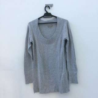 Grey knitted long sleeve top