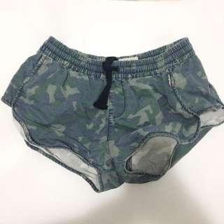 M - Henleys Camo Shorts