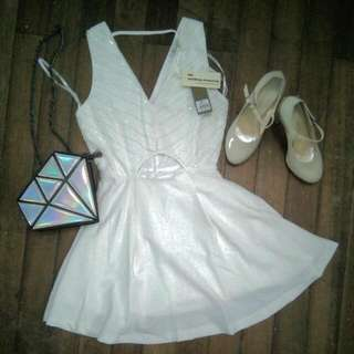V-line White Dress