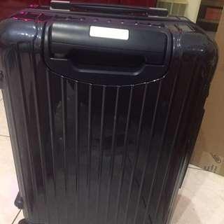 Rimowa全新行李箱