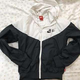 Nike 經典黑白外套