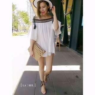 正韓民族風圖騰露肩白洋裝上衣
