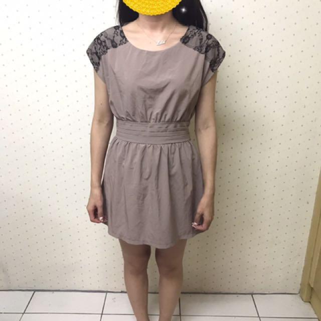 蕾絲氣質洋裝